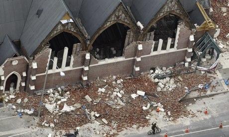 Christchurch_church_after_earthquake